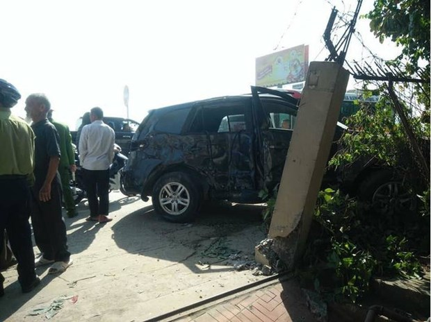 Thanh Hoa: 3 nan nhan tu vong trong vu xe khach dam vao xe 7 cho hinh anh 1