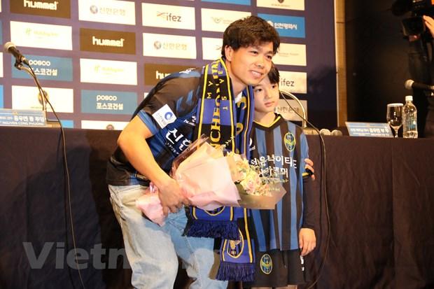 Cong Phuong chinh thuc ra mat co dong vien Incheon United hinh anh 3