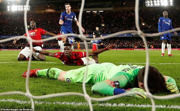 Pogba toa sang, Manchester United da bay Chelsea khoi FA Cup hinh anh 1