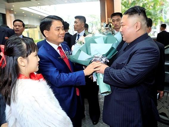 Truc tiep: Chu tich Trieu Tien Kim Jong-un da ve khach san Melia hinh anh 56