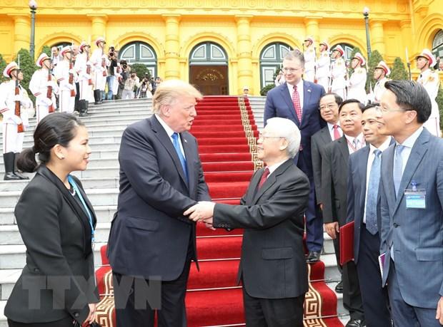 Ong Trump khen ong Kim trong cuoc gap dau tien o Metropole hinh anh 37
