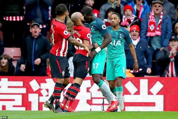 Premier League: Man City xay chac ngoi dau, Tottenham sap roi top 3 hinh anh 1