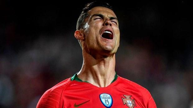 Vong loai Euro 2020: Anh thang huy diet, nha vo dich 'bat luc' hinh anh 2