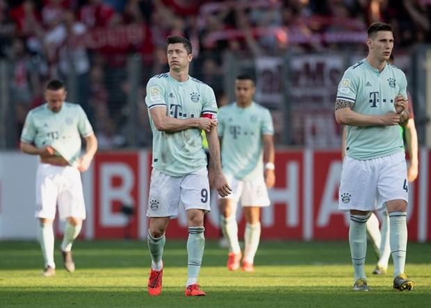 Bundesliga vong 27: Bayern mat diem, mat ngoi dau va... se mat tat? hinh anh 3