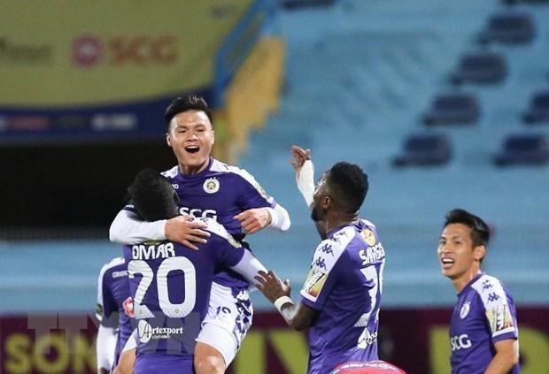 Vong 4 V-League: Ha Noi dau SLNA, 'noi chien' tai san Thong Nhat hinh anh 1