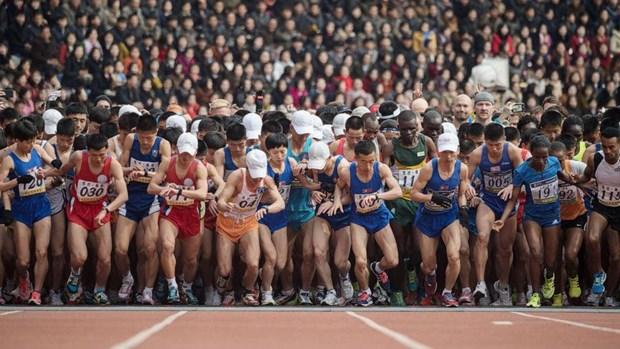 Gan 1.000 nguoi nuoc ngoai tham gia giai chay marathon o Trieu Tien hinh anh 1