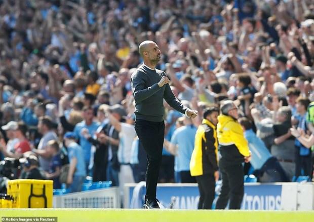 'Phuc han' Tottenham, Man City tai chiem ngoi dau Premier League hinh anh 2