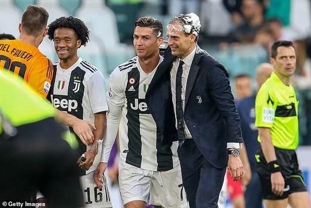 Juventus va Ronaldo thiet lap ky luc trong ngay vo dich Serie A hinh anh 1