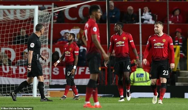 Ha guc Manchester United, Man City chinh thuc gianh ngoi dau hinh anh 1