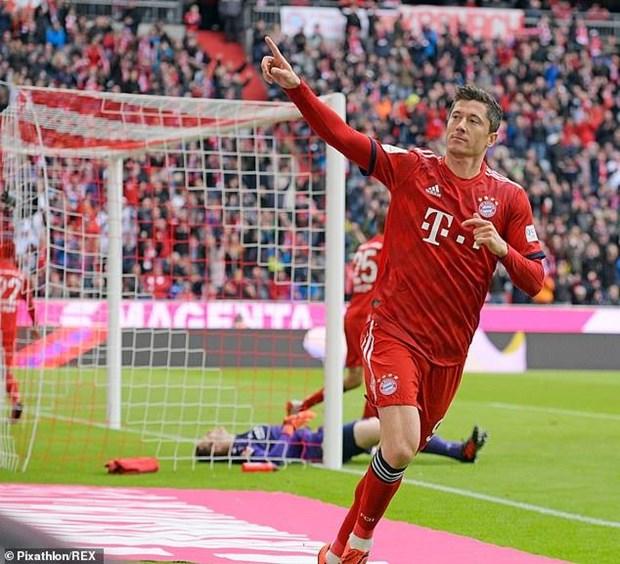 Dortmund mat diem, Bayern chi con cach ngoi vuong 1 tran thang hinh anh 1