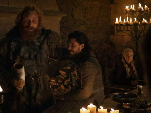 Starbuck vo bam nho ly caphe bat ngo xuat hien trong Game of Thrones hinh anh 1