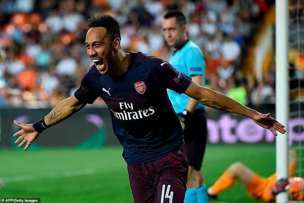 Arsenal cham tran Chelsea o tran chung ket Europa League hinh anh 1