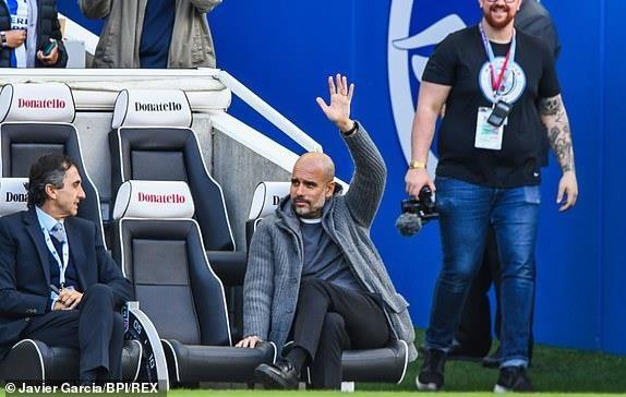 Man City dang quang Premier League sau tran thang huy diet hinh anh 7