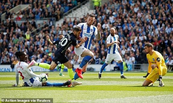 Man City dang quang Premier League sau tran thang huy diet hinh anh 12