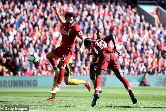 Man City dang quang Premier League sau tran thang huy diet hinh anh 19