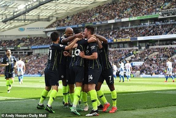 Man City dang quang Premier League sau tran thang huy diet hinh anh 17