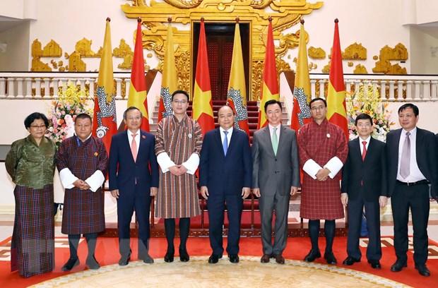 Thu tuong Nguyen Xuan Phuc tiep Chu tich Thuong vien Bhutan hinh anh 2