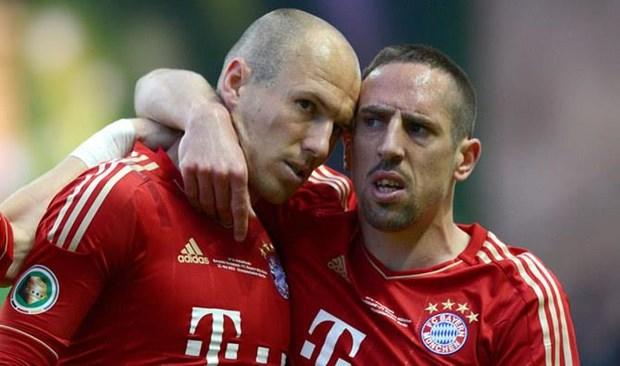 Nhin lai tran dau dau tien Robben sat canh Ribery tai Bayern hinh anh 1