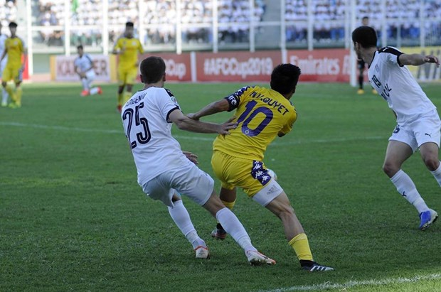 Video can canh Van Quyet toa sang dua Ha Noi FC vao chung ket hinh anh 1
