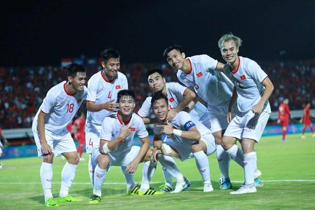 Đội tuyển Việt Nam thắng tưng bừng 3-1 ngay trên sân Indonesia - 2