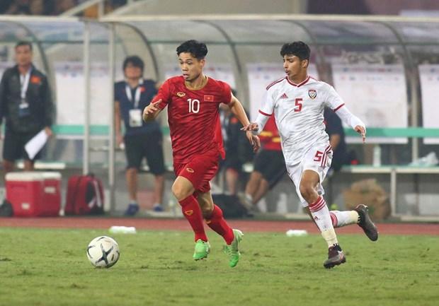 Tien Linh 'ha' UAE, tuyen Viet Nam gianh ngoi dau bang hinh anh 13