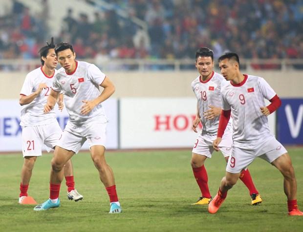 Tien Linh 'ha' UAE, tuyen Viet Nam gianh ngoi dau bang hinh anh 3