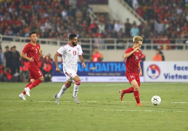 Tien Linh 'ha' UAE, tuyen Viet Nam gianh ngoi dau bang hinh anh 6
