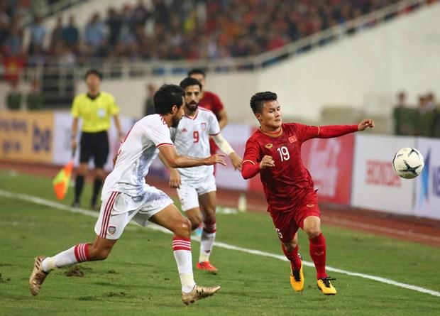 Tien Linh 'ha' UAE, tuyen Viet Nam gianh ngoi dau bang hinh anh 7