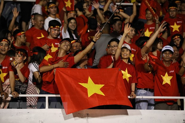 Duc Chinh toa sang, U22 Viet Nam thang nghet tho U22 Singapore hinh anh 3