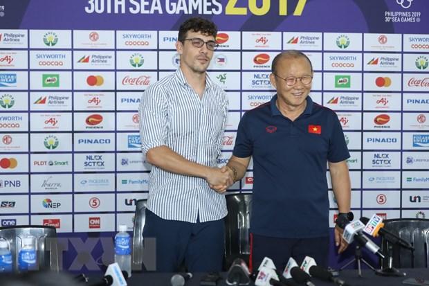 Đức Chinh tỏa sáng đưa U22 Việt Nam vào chung kết SEA Games 30 - 13