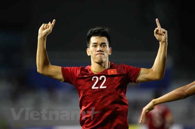 Đức Chinh tỏa sáng đưa U22 Việt Nam vào chung kết SEA Games 30 - 5
