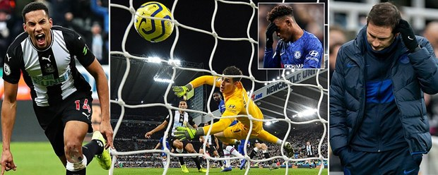 Chelsea bại trận trước Newcastle. (Nguồn: Daily Mail)