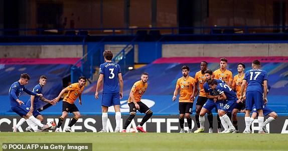 Premier League ha man: M.U, Chelsea gianh suat du Champions League hinh anh 7