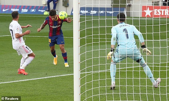 Real Madrid danh bai Barcelona o tran El Clasico thu 245 trong lich su hinh anh 10