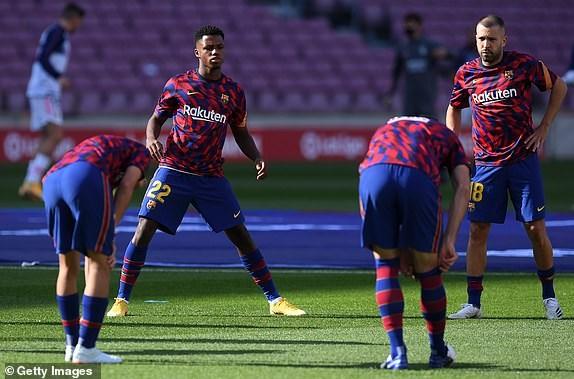 Real Madrid danh bai Barcelona o tran El Clasico thu 245 trong lich su hinh anh 4
