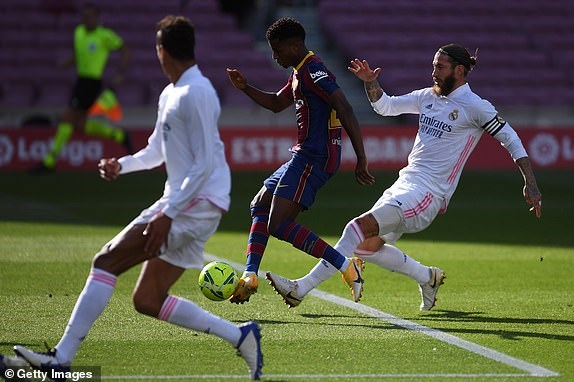 Real Madrid danh bai Barcelona o tran El Clasico thu 245 trong lich su hinh anh 7