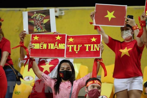 UAE-Viet Nam 3-2: Tuyen Viet Nam ngang cao dau di vao lich su hinh anh 4