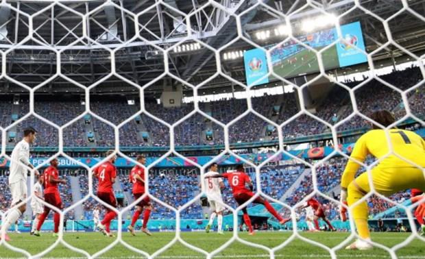 Tay Ban Nha vao ban ket EURO 2020 sau loat sut luan luu may rui hinh anh 11