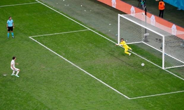 Tay Ban Nha vao ban ket EURO 2020 sau loat sut luan luu may rui hinh anh 19