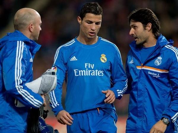 Tin sang 26/11: Messi hung thu voi Man City, CR7 nghi 3 tuan hinh anh 2