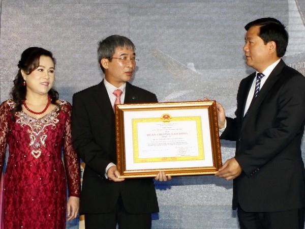 Nam 2013, hon 9 trieu hanh khach da den Tan Son Nhat hinh anh 1
