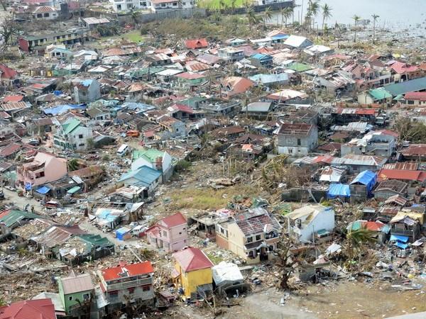 ADB ho tro Philippines tai thiet sau con bao Haiyan hinh anh 1