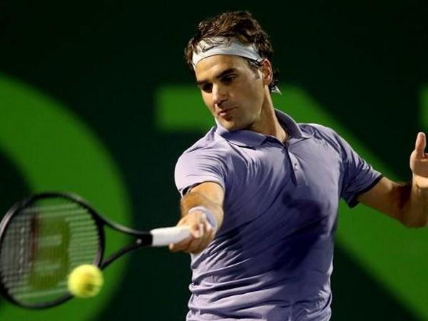 Roger Federer bat ngo guc nga truoc tay vot Nhat Ban hinh anh 1