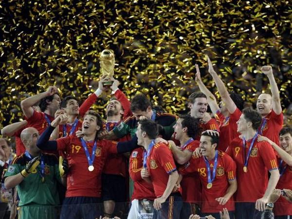 Tay Ban Nha kho bao ve ngoi vuong tai World Cup Brazil hinh anh 1
