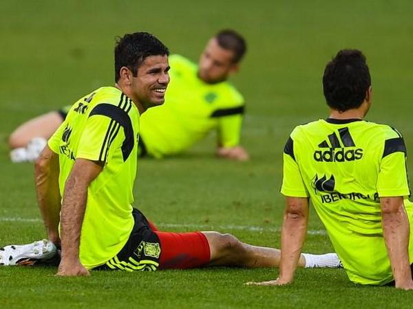 [Video] Diego Costa bien Sergio Ramos tro thanh ga he hinh anh 1