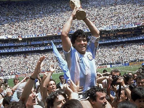 Lionel Messi san bang ky luc cua huyen thoai Diego Maradona hinh anh 2