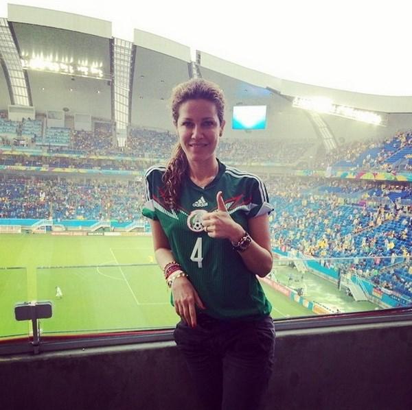 Vo va ban gai cac cau thu ham nong World Cup 2014 hinh anh 8