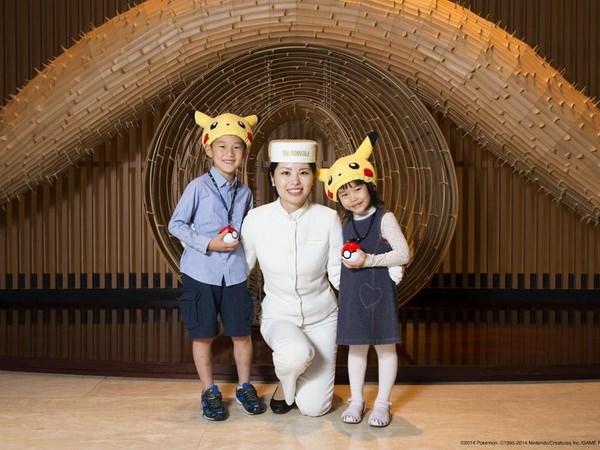 Nhan vat Pokemon xam chiem khach san Peninsula Tokyo hinh anh 1