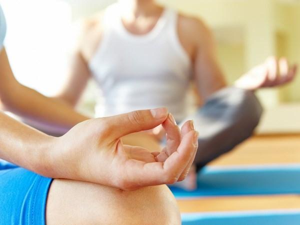 Ra mat phong tap yoga cho hanh khach o phong doi san bay hinh anh 1