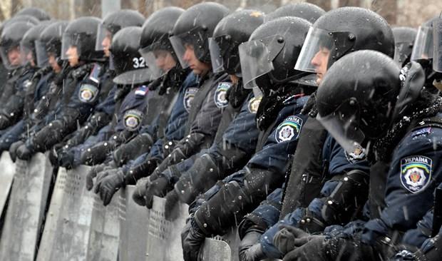 Ukraine: Kharkov sa thai 500 canh sat khong chiu di chien dau hinh anh 1